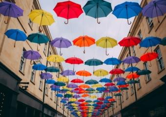 今年の梅雨シーズンは最新サービスを活用して快適に過ごそう!雨の日に便利なアプリ・サービス5選