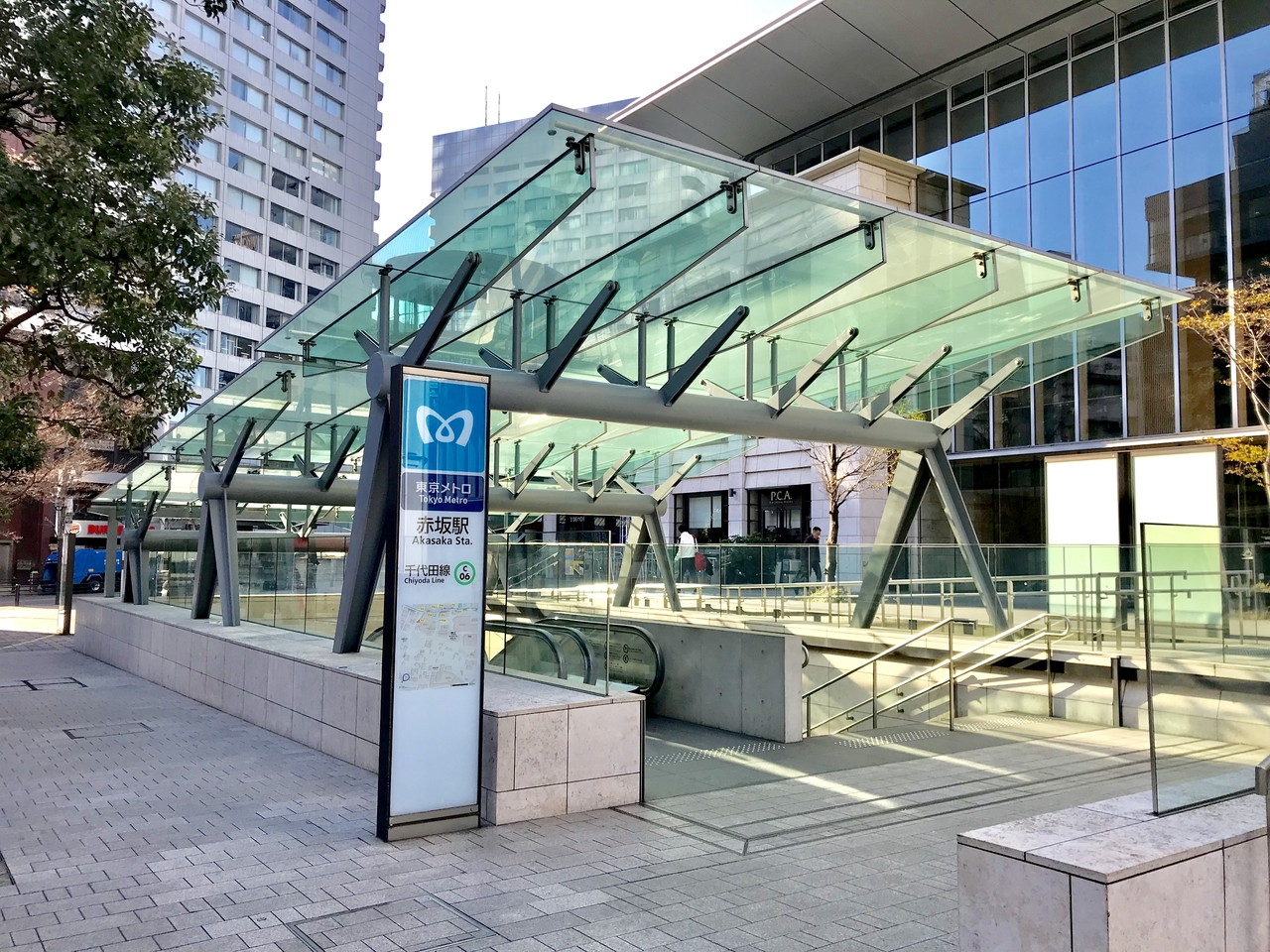 赤坂でコインロッカーが空いていない?荷物を預けられるecbo cloak加盟店人気トップ5!