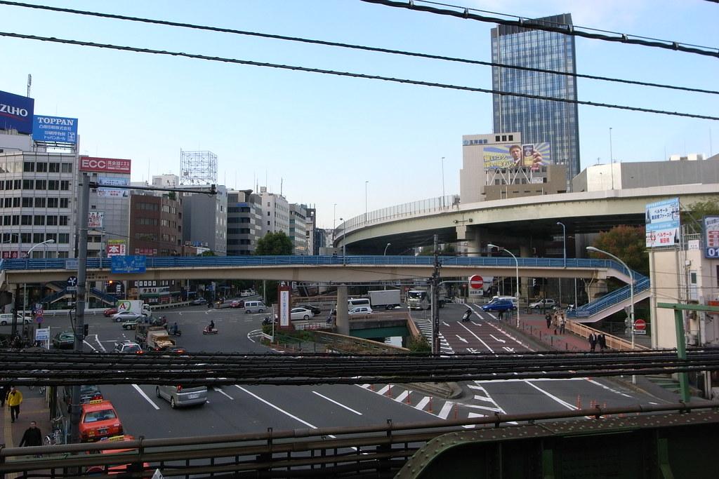 飯田橋で荷物を預けるならスマホ予約でecbo cloak。コインロッカー代わりに利用できる店舗をご紹介!